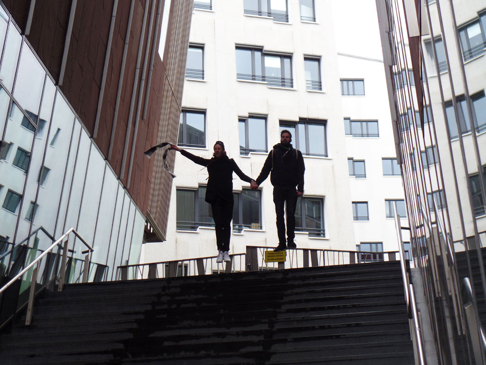Foto im Sprung  HafenCity   Instameet Hamburg