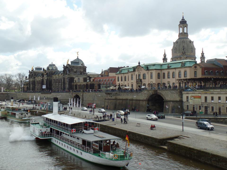 Dresdner Altstadt: Dampfschiff Dresden